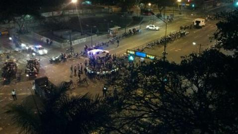 Penned-in protesters in Altamira, awaiting their fate.