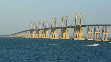 Puente_sobre_el_lago_3